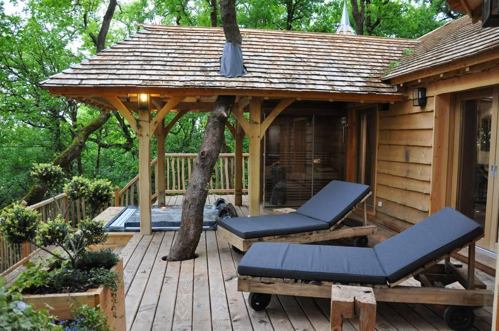 cabane puybeton spa luxe. Black Bedroom Furniture Sets. Home Design Ideas