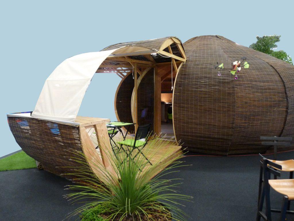 le fabricant des carpates esprit insolite. Black Bedroom Furniture Sets. Home Design Ideas